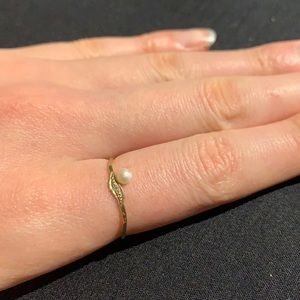 STUNNING Gold Ring with Pearl